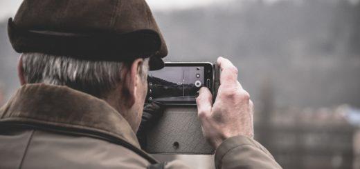 smartphone simple senior